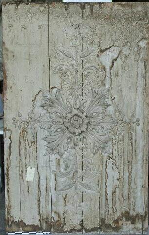 rosace ; bas-relief ; panneau