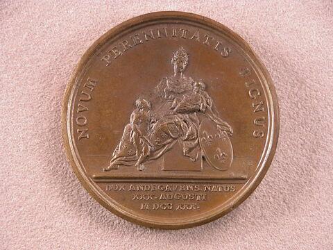© 2006 Musée du Louvre / Objets d'art du Moyen Age, de la Renaissance et des temps modernes