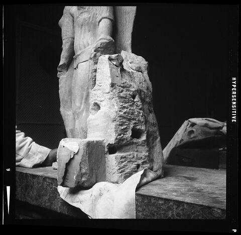 côté © Musée du Louvre / Antiquités grecques, étrusques et romaines