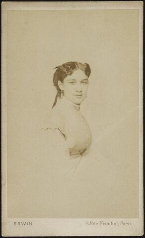 Portrait-carte de Marie Lassalle, en buste