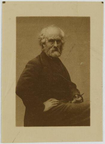Portrait de Constant Dutilleux, mi-corps, assis de trois-quarts