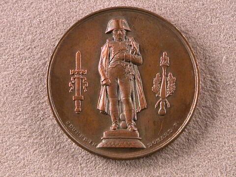 La statue de Napoléon rétablie sur la colonne par Louis-Philippe I, 1833