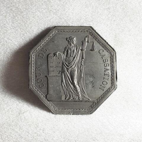 © 2020 Musée du Louvre / Objets d'art du Moyen Age, de la Renaissance et des temps modernes