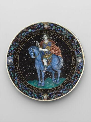 Assiette : l'Empereur Vitellius à cheval