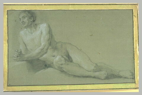 Homme nu, allongé, appuyé sur le coude droit