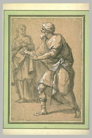 Femme debout, et homme marchant vers la gauche
