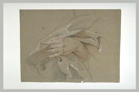 Etude d'une main écartant le pli d'une draperie