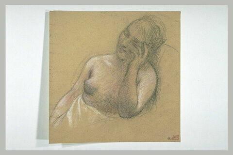 Jeune femme vue en buste, de trois quarts à gauche, la poitrine nue