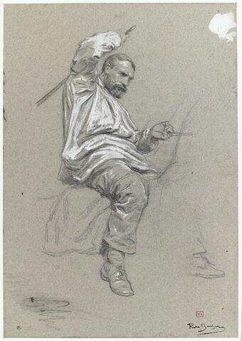 Homme assis à califourchon, tenant les rênes de la main gauche