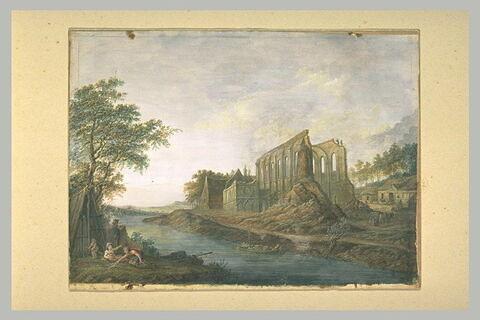 Ruines médiévales au bord d'une rivière