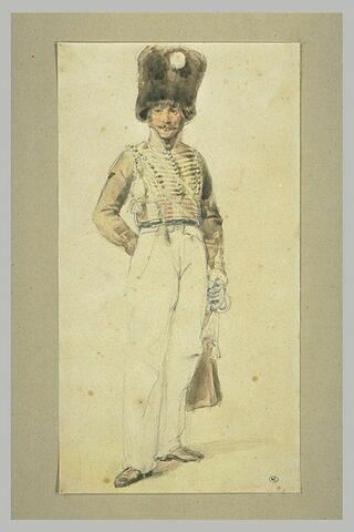 Hussard de la garde royale, debout, en bonnet à poil