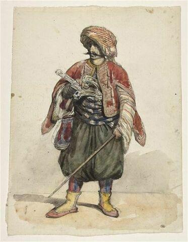 Un turc debout, coiffé d'un turban rayé de rouge, de jaune et de blanc