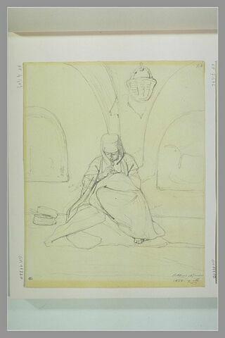 Femme de Palestine assise, cousant, dans un intérieur : Bethléem