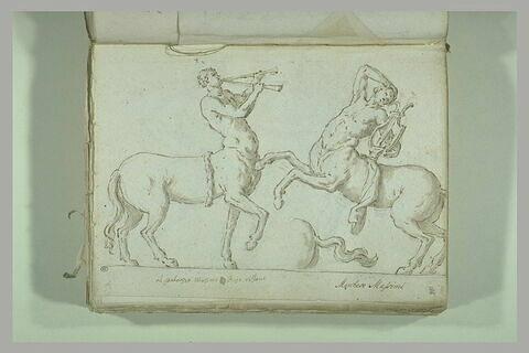 Deux centaures, l'un jouant de la double trompe et l'autre de la lyre...