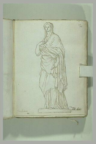 Femme drapée debout, la tête couverte