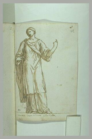 Femme debout, drapée, la tête inclinée vers la gauche, le bras gauche...