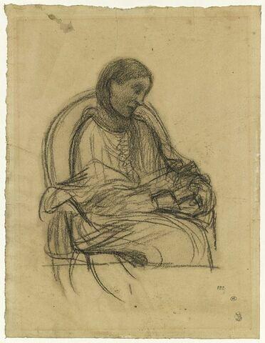 Femme assise dans un fauteuil, vue de trois quarts à droite, lisant