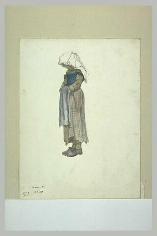 Jeune paysanne italienne, la tête penchée, les mains sous son tablier
