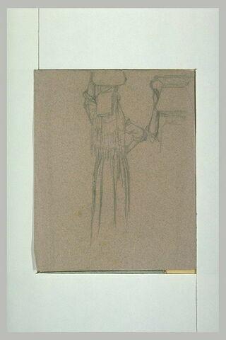 Paysanne italienne tenant un vase de métal sur sa tête ; étude du vase