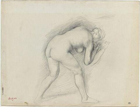 Femme nue, de dos, penchée en avant, vers la droite