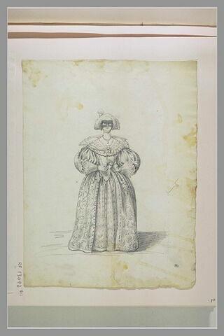 Femme, de face, en costume Louis XIII
