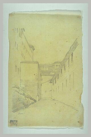 Passage entre des bâtiments