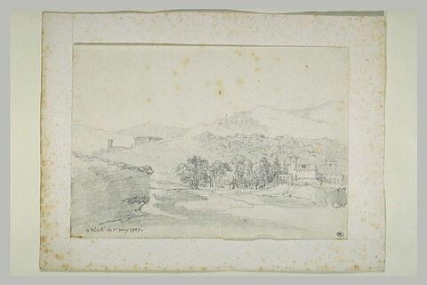 Plusieurs villas dans un paysage montagneux