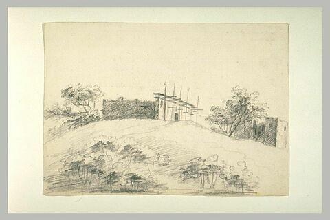 Eglise en construction sur une colline