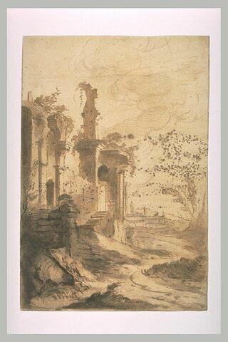 Edifice antique ruiné