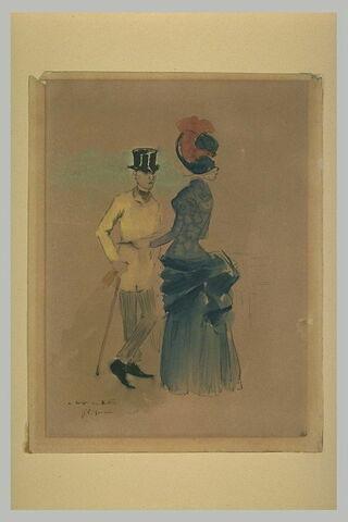 Jeune femme vêtue d'un costume bleu, en conversation avec un jeune homme