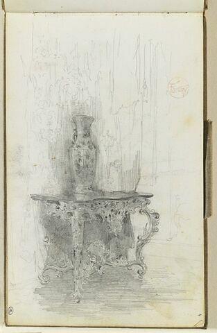 Vase posé sur une console rocaille