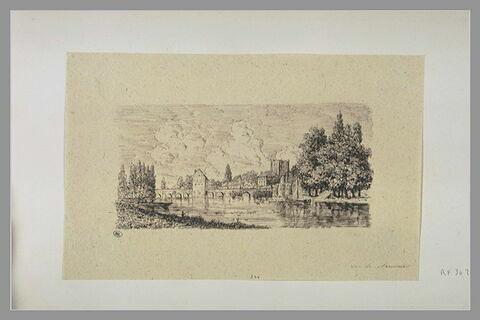 Ville avec château, pont et rivière : vue de Nemours