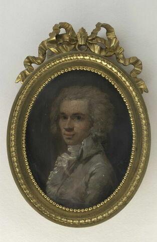 Portrait d'homme, en buste, en costume gris