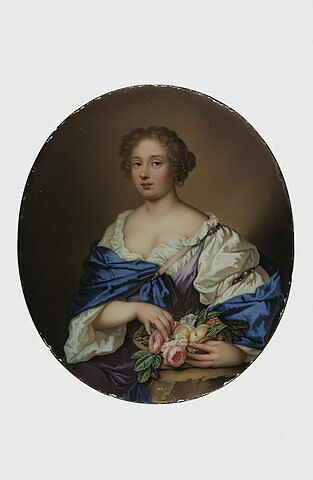 Portrait de femme assise, tenant une corbeille de fleurs et de fruits