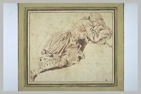 Soldat couché à terre