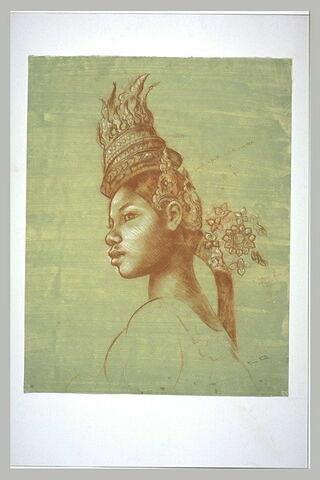 Buste de cambodgienne, une sorte de tiare posée sur le haut de la tête, ...