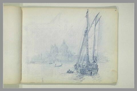 Voilier s'avançant vers Venise