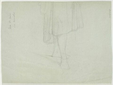 Etude de jambes sortant d'une robe drapée