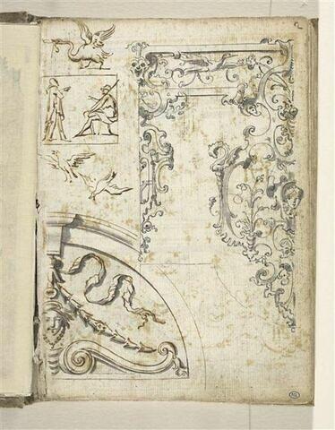 Croquis décoratif : arabesques, guirlandes
