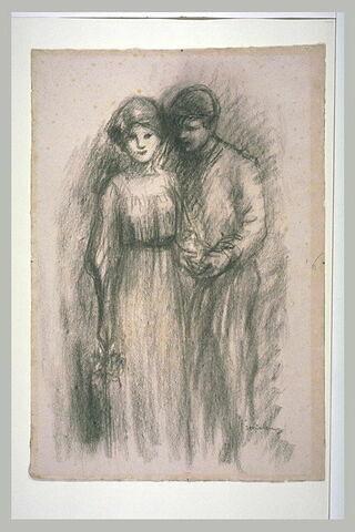 Jeune couple enlacé
