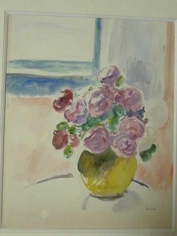 Bouquet de roses et pot jaune