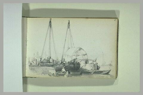 Bateaux dans le port de Venise