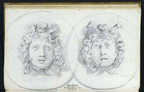 Deux médaillons représentant chacun une tête de 'MEDUSE'