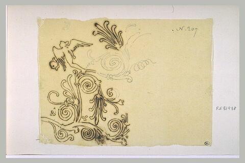 Motif décoratif : rinceaux d'acanthe surmontés d'une Victoire
