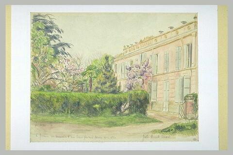 Villa et jardin fleuri