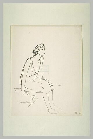 Femme en chemise, assise