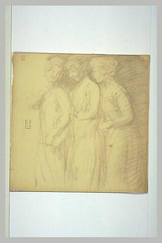Trois jeunes filles enlacées, se dirigeant vers la gauche