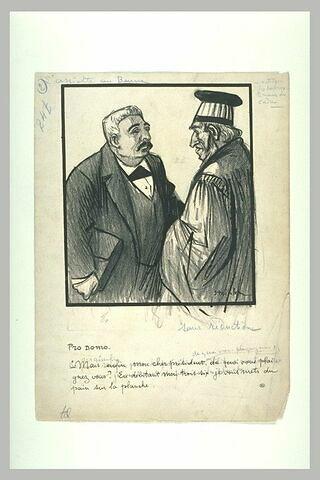 Conversation entre un juge et un homme tenant une serviette sous le bras