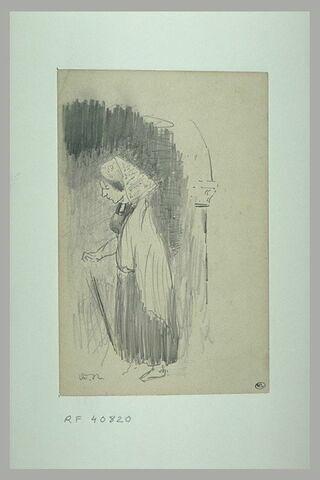 Bretonne appuyée sur une canne et esquisse d'une colonne avec un chapiteau