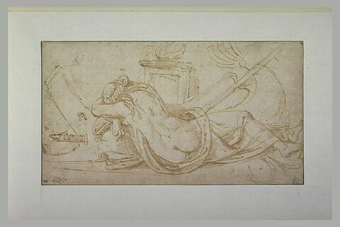 Femme allongée auprès d'un bateau et d'une rame, au pied d'un autel